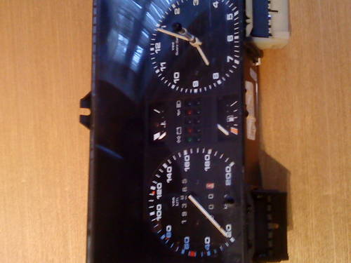 MK2 VW GOLF  GTI  VDO TYPE CLOCK (200 KM/H) For Sale (picture 5 of 6)