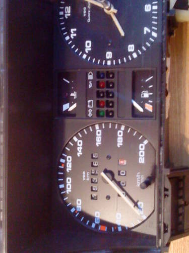MK2 VW GOLF  GTI  VDO TYPE CLOCK (200 KM/H) For Sale (picture 6 of 6)
