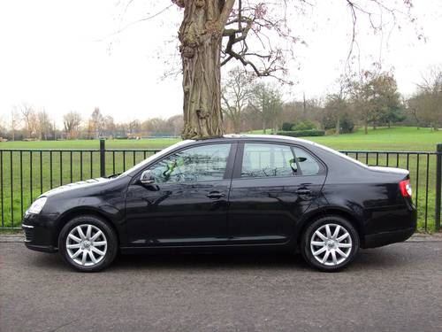 2009 Volkswagen Jetta 1.9 TDI S 4dr - Nice Example For Sale (picture 3 of 6)