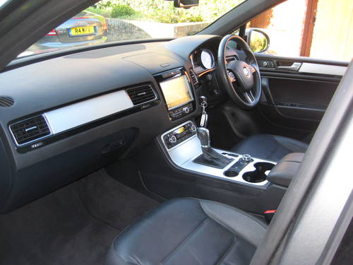 2013 Volkswagen Touareg 3.0 TDI Altitude With Panoramic Roof  For Sale (picture 3 of 6)