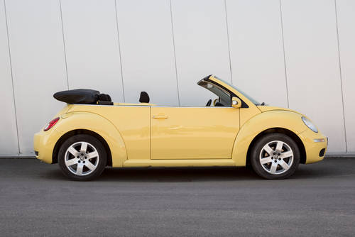 2009 Volkswagen Beetle Cabriolet Luna- Low Mileage SOLD (picture 2 of 6)