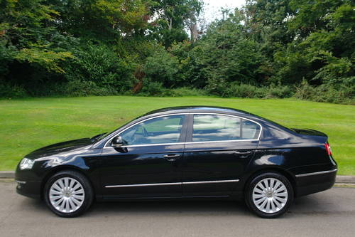 2010 VOLKSWAGEN PASSAT HIGHLINE TDi 170.. TOP SPEC.. FSH.. SOLD (picture 1 of 6)