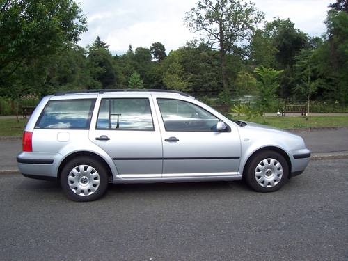 2001 LEFT HAND DRIVE VOLKSWAGEN GOLF ESTATE 1.4I For Sale (picture 1 of 6)