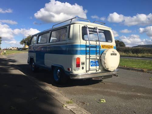 1978 VW Landmark Bay White/Blue stripes 2.0l engine For Sale (picture 2 of 6)