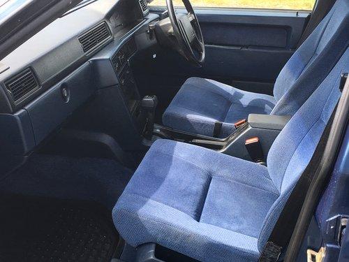 1991 VOLVO 940 GL  2.0 AUTO ESTATE  GENUINE 25,000 MILES For Sale (picture 5 of 6)