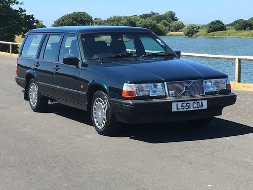 1993 VOLVO 940 S ESTATE. ONLY 40,000 GENUINE MILES For Sale (picture 1 of 6)