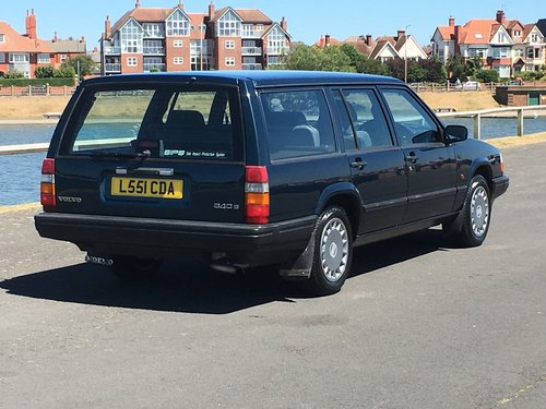 1993 VOLVO 940 S ESTATE. ONLY 40,000 GENUINE MILES For Sale (picture 2 of 6)