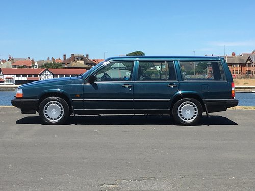 1993 VOLVO 940 S ESTATE. ONLY 40,000 GENUINE MILES For Sale (picture 3 of 6)