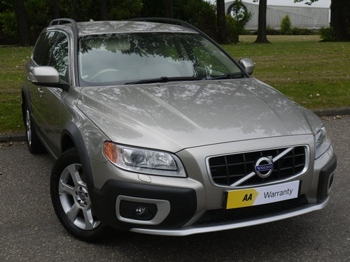 2010 Volvo XC70 2.4 D5 SE Geartronic AWD 5dr ***FULL VOLVO SERVIC For Sale (picture 1 of 6)