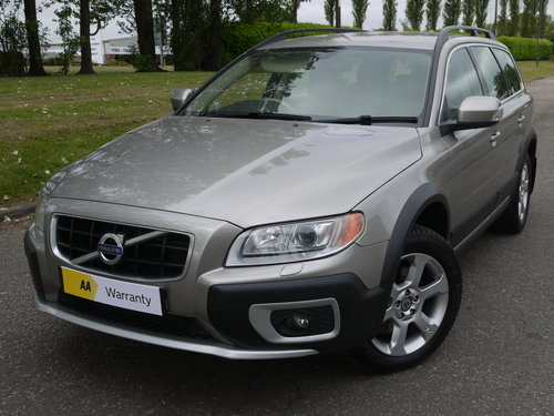 2010 Volvo XC70 2.4 D5 SE Geartronic AWD 5dr ***FULL VOLVO SERVIC For Sale (picture 2 of 6)