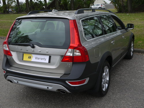 2010 Volvo XC70 2.4 D5 SE Geartronic AWD 5dr ***FULL VOLVO SERVIC For Sale (picture 4 of 6)
