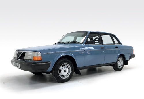 1981 Volvo 240 DL 55,600 DEPOSIT TAKEN! SOLD (picture 1 of 6)