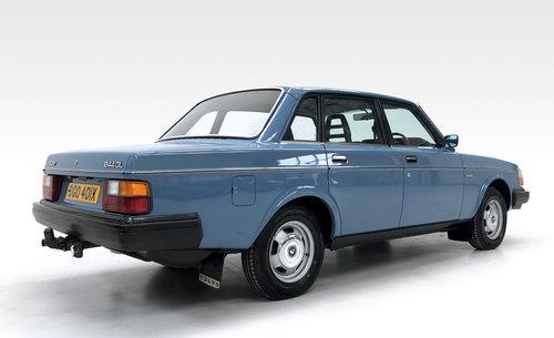1981 Volvo 240 DL 55,600 DEPOSIT TAKEN! SOLD (picture 2 of 6)