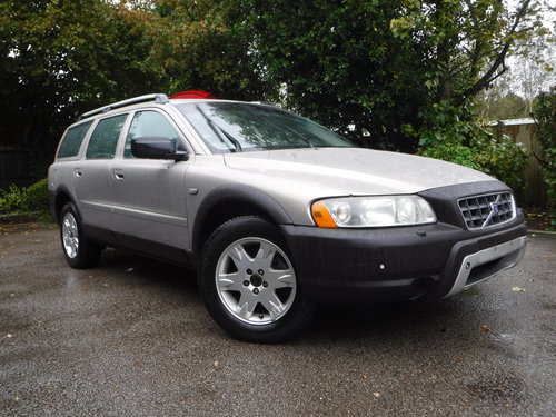 Volvo XC70 2.5 T SE Geartronic AWD 5dr 2005 52,000 miles For Sale (picture 1 of 1)