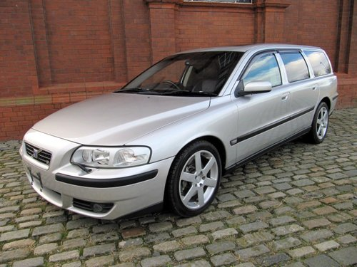 2003 VOLVO V70 R ESTATE 2.5 AWD 300 BHP AUTOMATIC  For Sale (picture 1 of 6)
