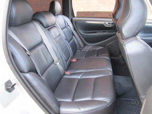 2003 VOLVO V70 R ESTATE 2.5 AWD 300 BHP AUTOMATIC  For Sale (picture 4 of 6)