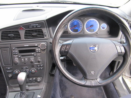 2003 VOLVO V70 R ESTATE 2.5 AWD 300 BHP AUTOMATIC  For Sale (picture 5 of 6)