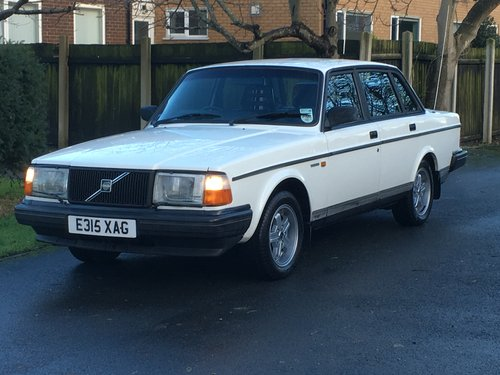 1988 VOLVO 240 GLT 2.3 AUTO ONLY 81,000 MILES! For Sale (picture 3 of 6)