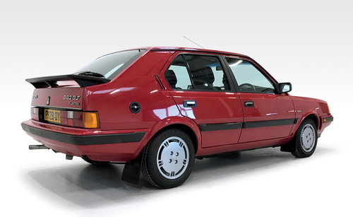 1988 Volvo 360 GLT with just 21,000 miles! SOLD (picture 2 of 6)