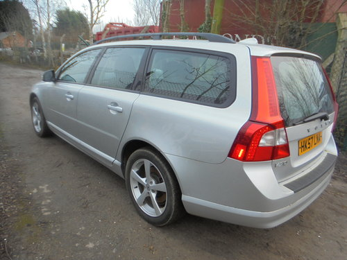 V/70 ESTATE DIESEL AUTO 2008 REG FACE LIFT MODEL F.S.H  For Sale (picture 2 of 6)