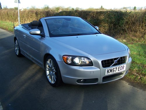 2008 VOLVO C70 SE LUX D5 6-SPEED MANUAL FSH NEW MOT               SOLD (picture 1 of 6)
