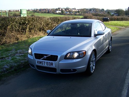 2008 VOLVO C70 SE LUX D5 6-SPEED MANUAL FSH NEW MOT               SOLD (picture 2 of 6)