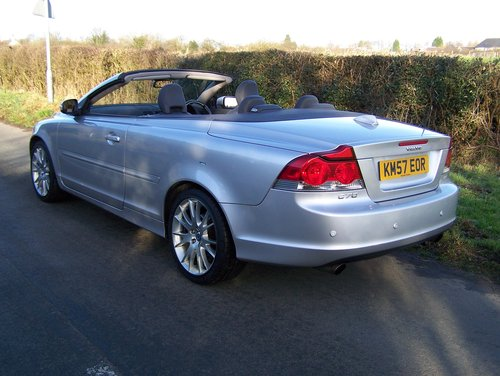 2008 VOLVO C70 SE LUX D5 6-SPEED MANUAL FSH NEW MOT               SOLD (picture 3 of 6)
