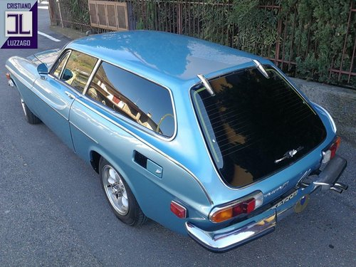 TOTALLY RESTORED 1973 VOLVO P1800ES For Sale (picture 3 of 6)