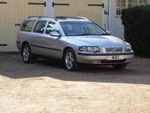 2002 Volvo V70 2.5T AWD Estate Auto 74000 miles FSH For Sale