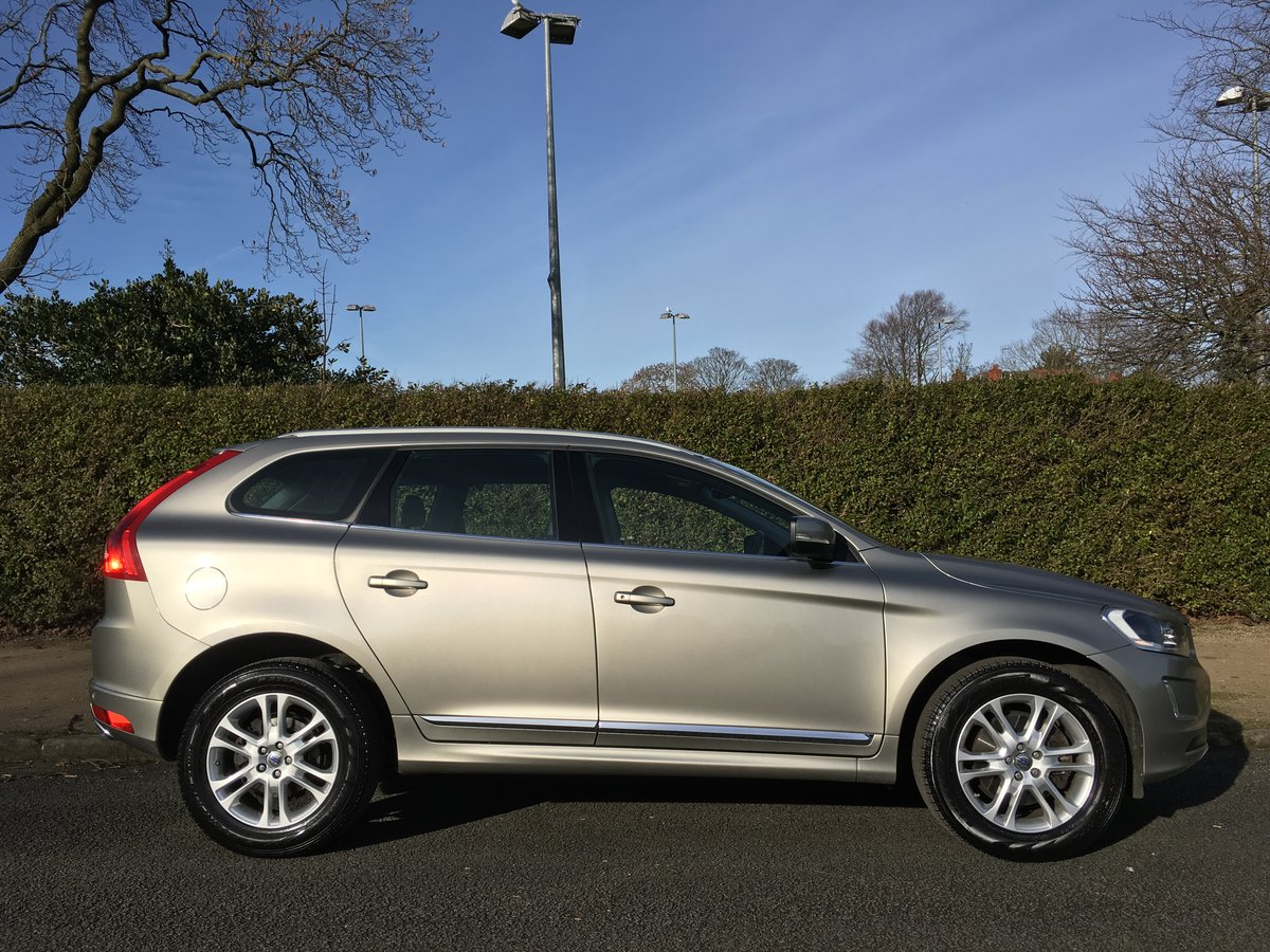 2014 Volvo XC60 D5 SE Lux AWD Automatic - SAT NAV For Sale (picture 2 of 6)