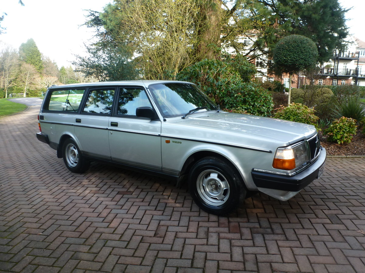 1985 One family owned 240 GLE Estate! SOLD (picture 1 of 6)