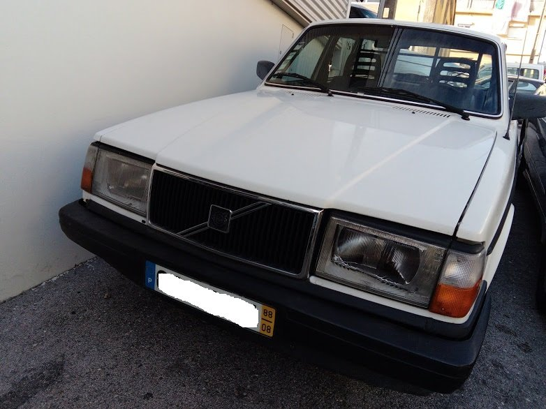 1988 VOLVO 245 For Sale (picture 1 of 5)