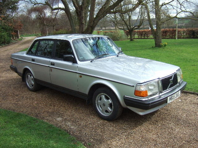 1991(H) Volvo 240GL Saloon only 73000 miles For Sale (picture 1 of 6)
