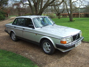 1991(H) Volvo 240GL Saloon only 73000 miles For Sale