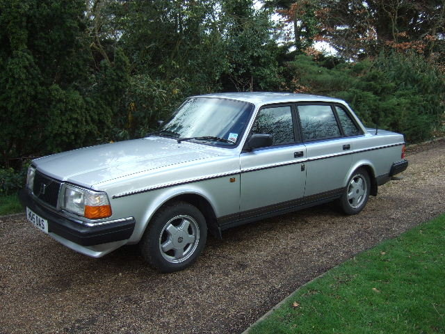 1991(H) Volvo 240GL Saloon only 73000 miles For Sale (picture 3 of 6)