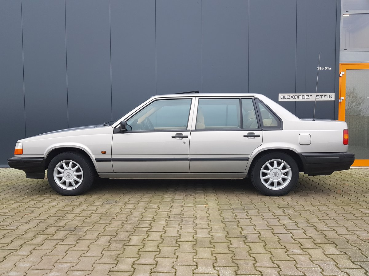 1995 Volvo 940 2.3 LPT Automatic unique original condition For Sale (picture 1 of 6)