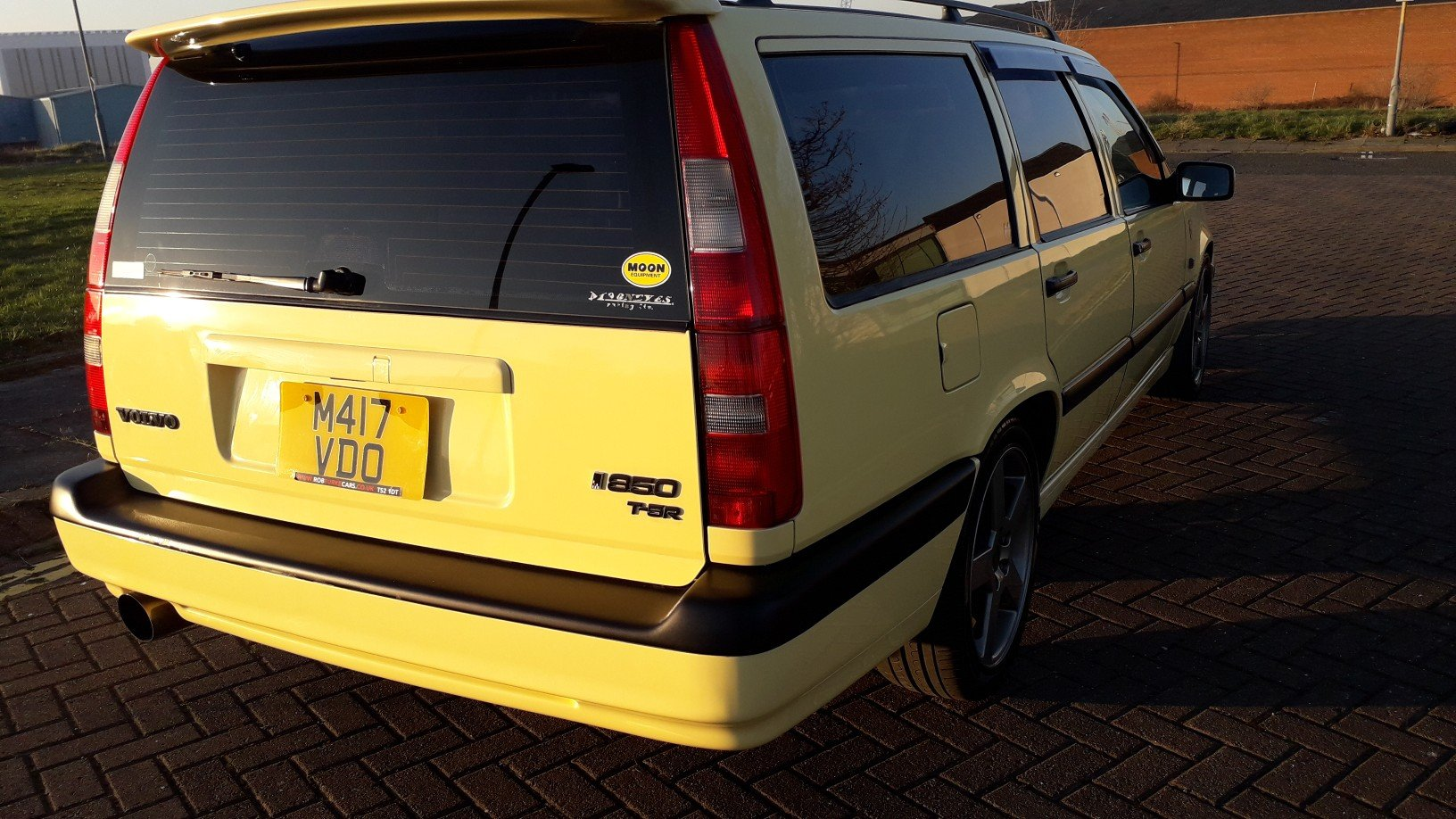 SOLD - VOLVO 850 T5R ESTATE 1995 YELLOW –  JAP IMPORT  SOLD (picture 4 of 6)