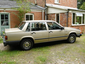 1986 Nice early Volvo 740GL saloon For Sale