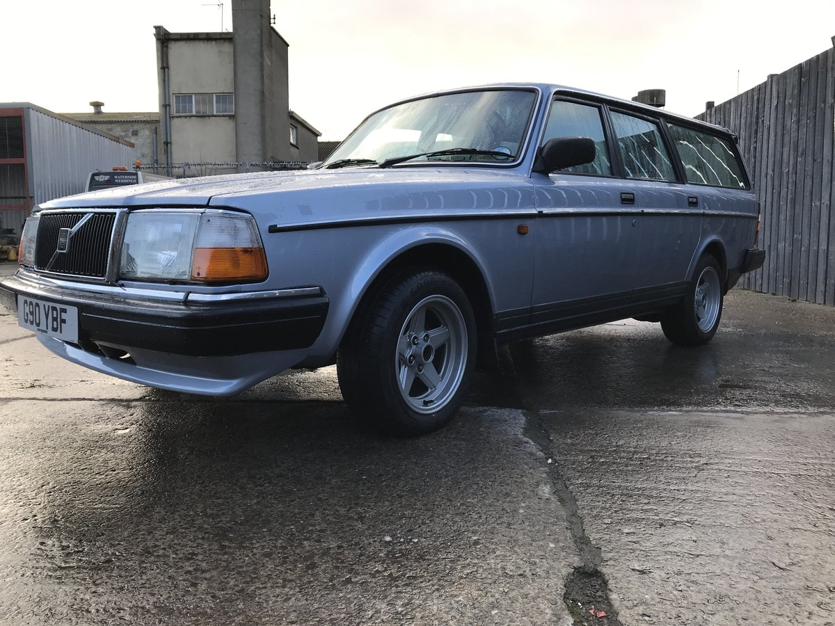 1989 Volvo 240 GL Estate Riviera Blue/Blue Service history For Sale (picture 2 of 6)