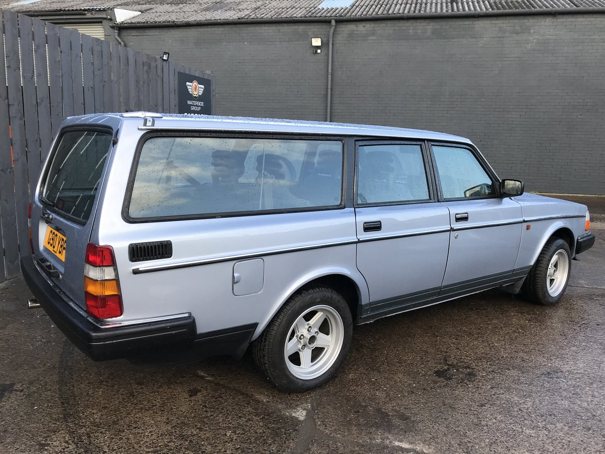 1989 Volvo 240 GL Estate Riviera Blue/Blue Service history For Sale (picture 3 of 6)