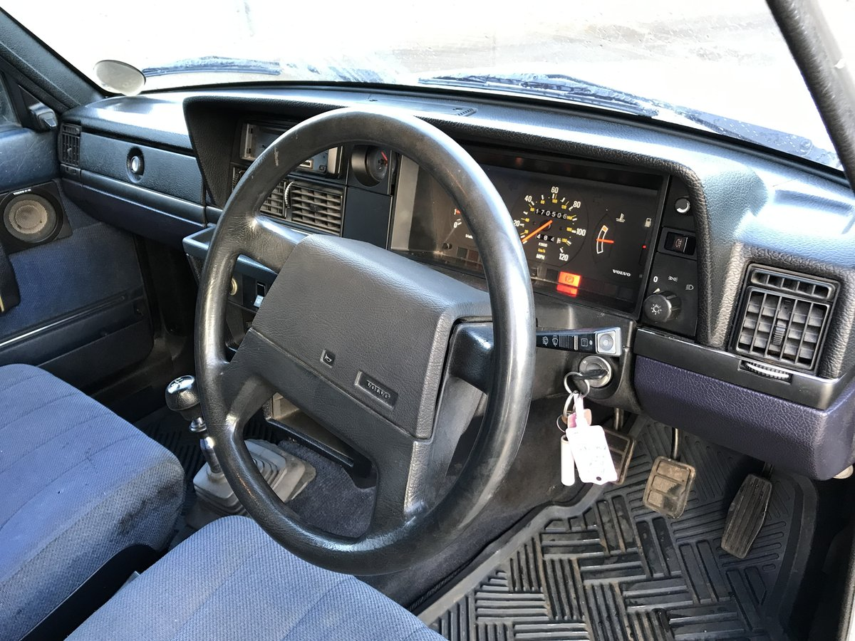 1989 Volvo 240 GL Estate Riviera Blue/Blue Service history For Sale (picture 5 of 6)