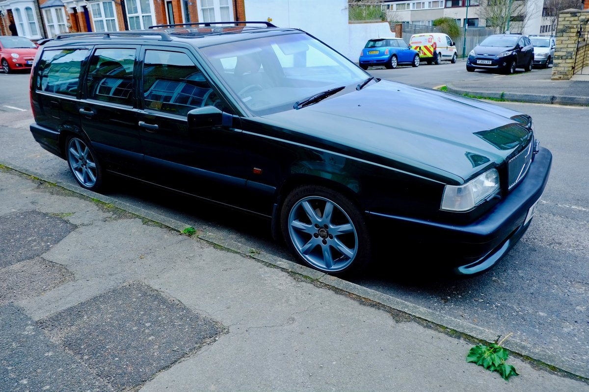 1995 Volvo 850 T5R SOLD (picture 1 of 6)