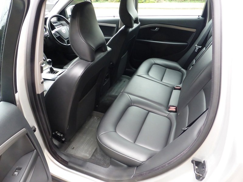 2012 Exceptional and unique V70 Estate Car For Sale (picture 2 of 6)
