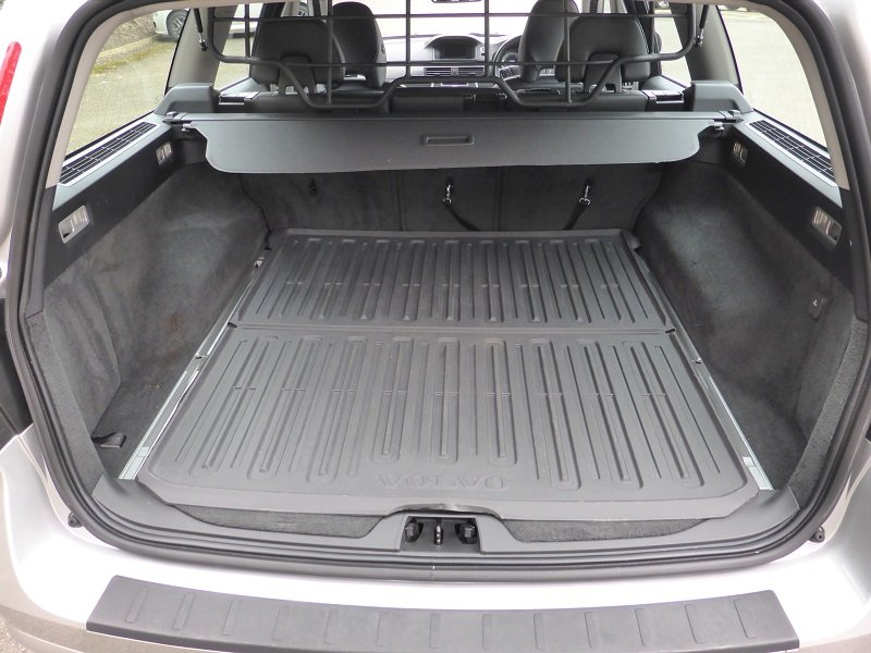 2012 Exceptional and unique V70 Estate Car For Sale (picture 4 of 6)