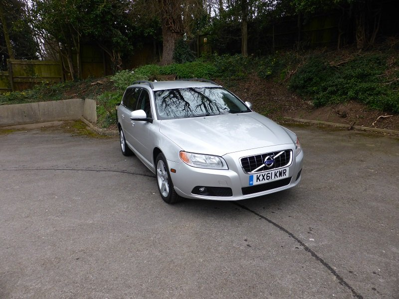 2012 Exceptional and unique V70 Estate Car For Sale (picture 1 of 6)