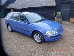 2001 Volvo V40 (123bhp) Estate. Only 42,000 mile