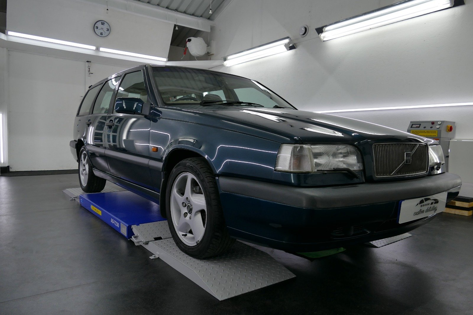 1996 Volvo 850 T5 CD Auto For Sale (picture 1 of 6)