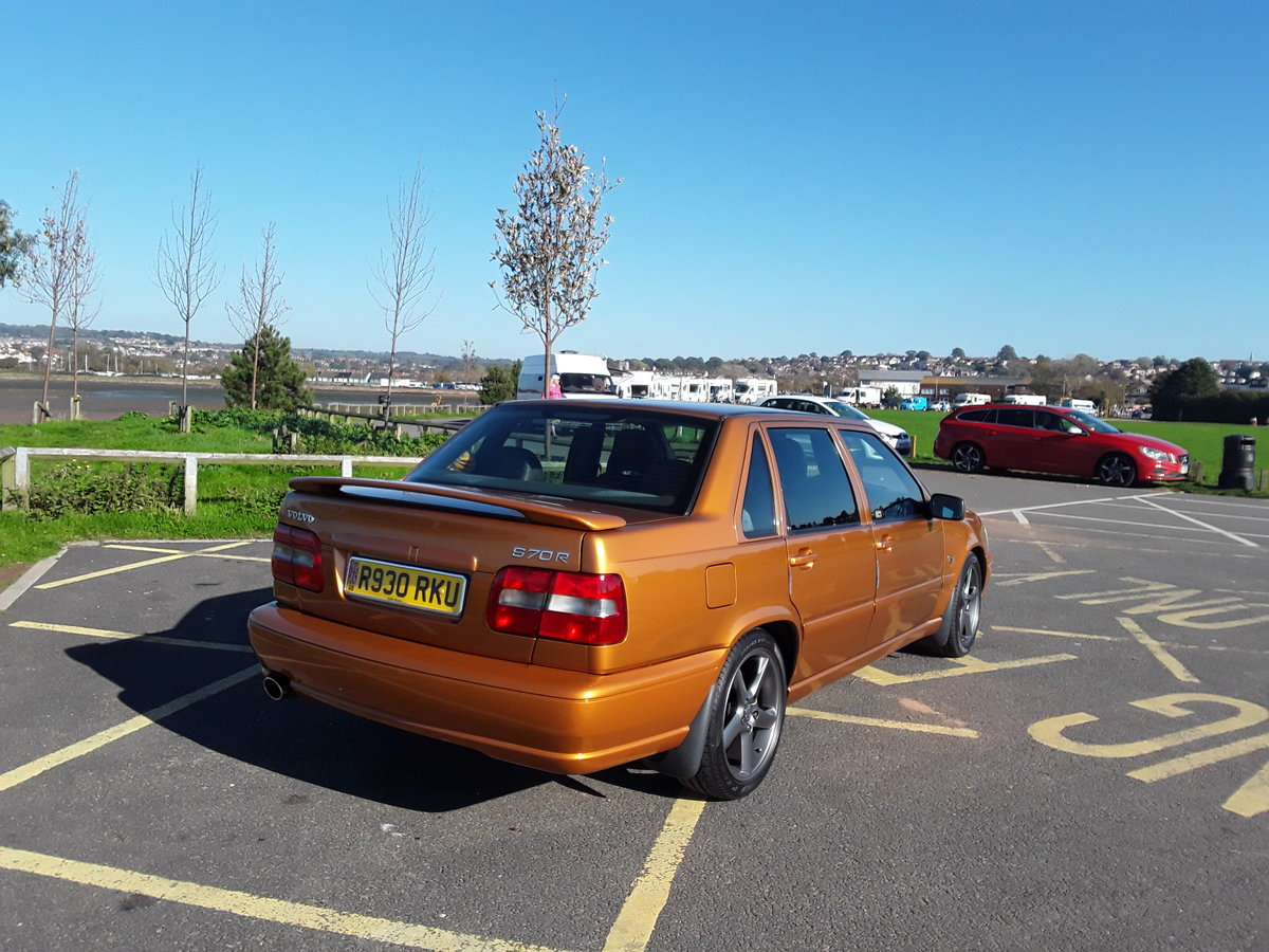 1997 VOLVO S70R SALOON For Sale (picture 1 of 4)