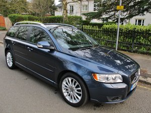 VOLVO V50 D2 SE LUX ESTATE DIESEL 2011MY 1 OWNER 24000m FSH For Sale
