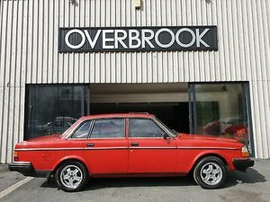 Volvo 240 DL **1 FORMER KEEPER **11,387 MILES FROM NEW**